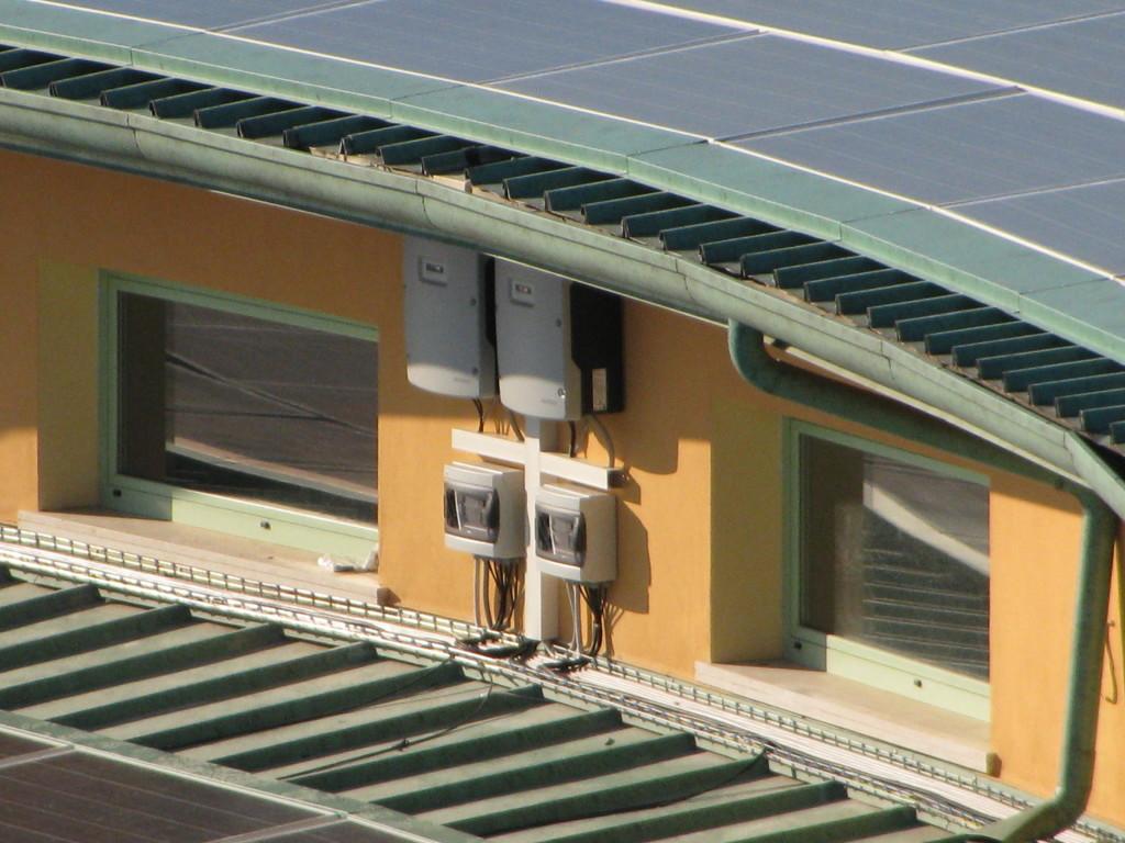 fotografie inverter impianto fotovoltaico