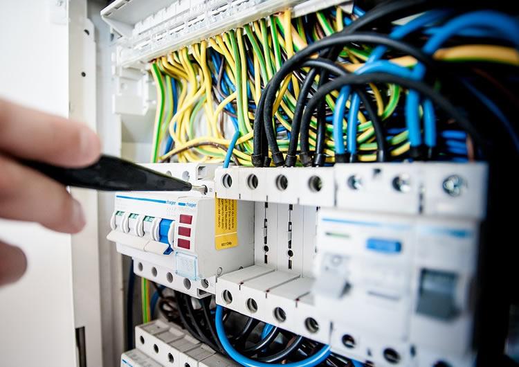 impianti elettrici manutenzione fotovoltaico domotica bergamo